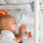 Ab wann kann ein Baby alleine schlafen?