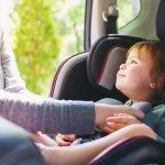 Unterwegs mit Baby: Was muss mit?