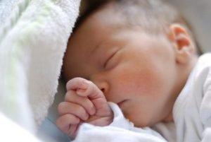Wie viel Schlaf braucht ein Baby?